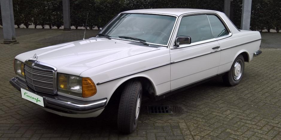 1977年 メルセデス-ベンツ 230CE